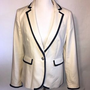 NWT Banana Republic cream Blazer with Navy trim